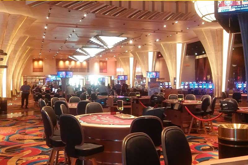 Hollywood Casino Columbus Ohio poker tables